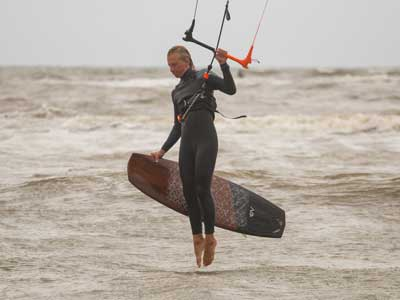 Kitesurfles in Zandvoort 5 daagse kitesurf cursus Kitesurfschool Zandvoort, leer je pas echt kitesurfen op zee!